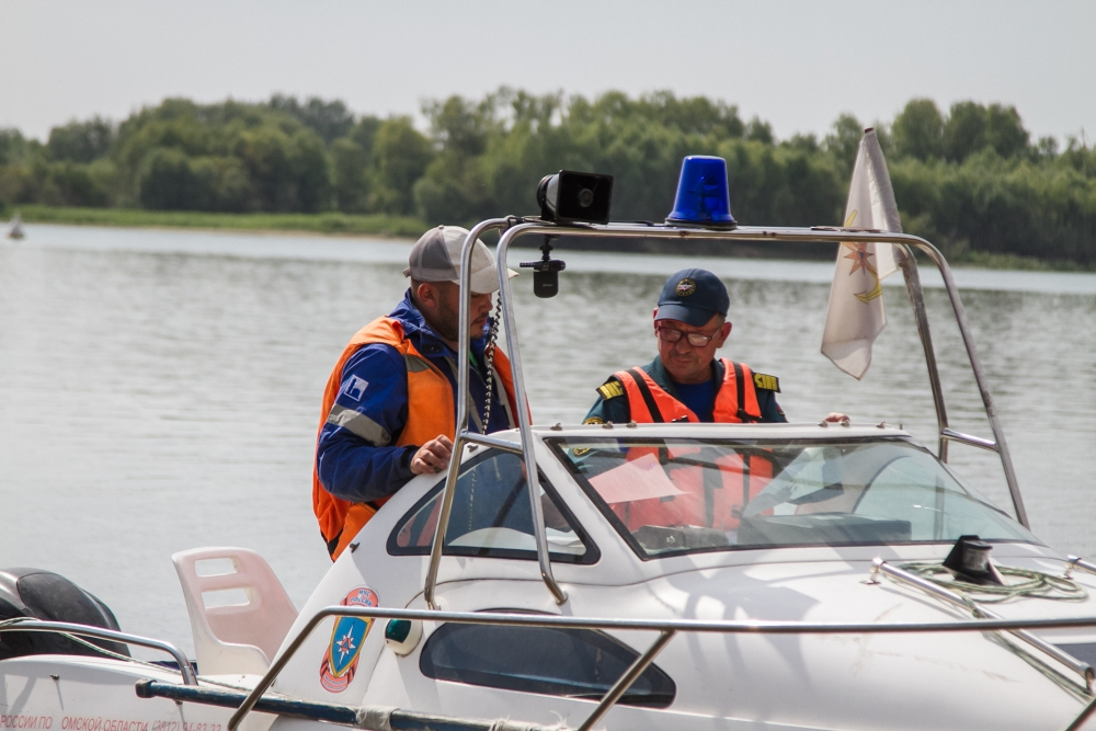 На акватории реки Иртыш прошел профилактический рейд