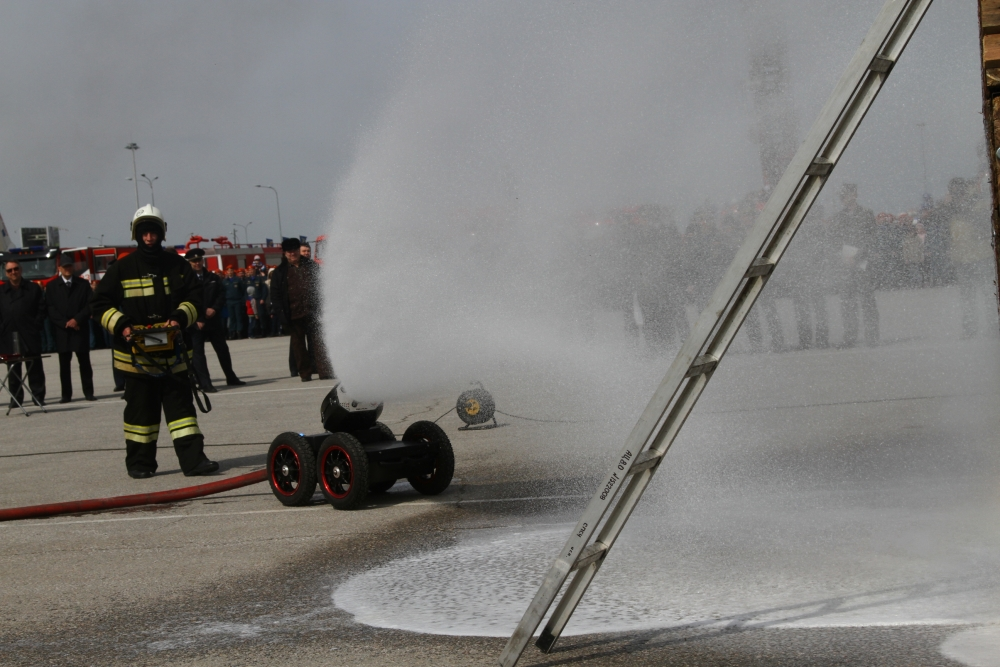 Гарнизонный развод личного состава и техники подразделений Федеральной противопожарной службы территориального пожарно-спасательного гарнизона Омской области