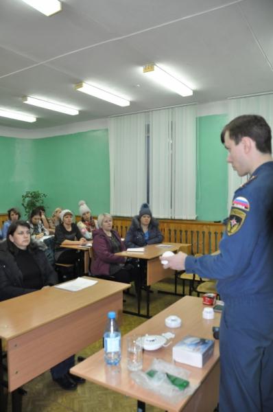Занятия с родителями в Самусьском лицее и школе пос. Орловка по профилактике гибели детей на пожарах (10 декабря 2018 года)