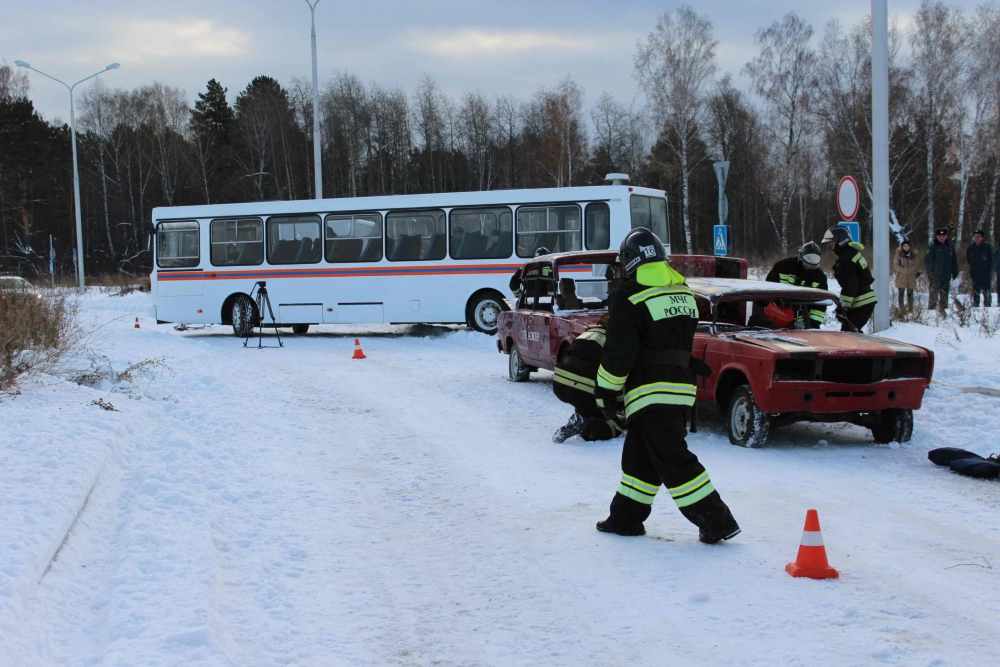 Тактико-специальное учение по реагированию на чрезвычайную ситуацию, обусловленную ограничением автомобильного движения на федеральной автомобильной дороге, вследствие дорожно-транспортного происшествия и сложных погодных условий
