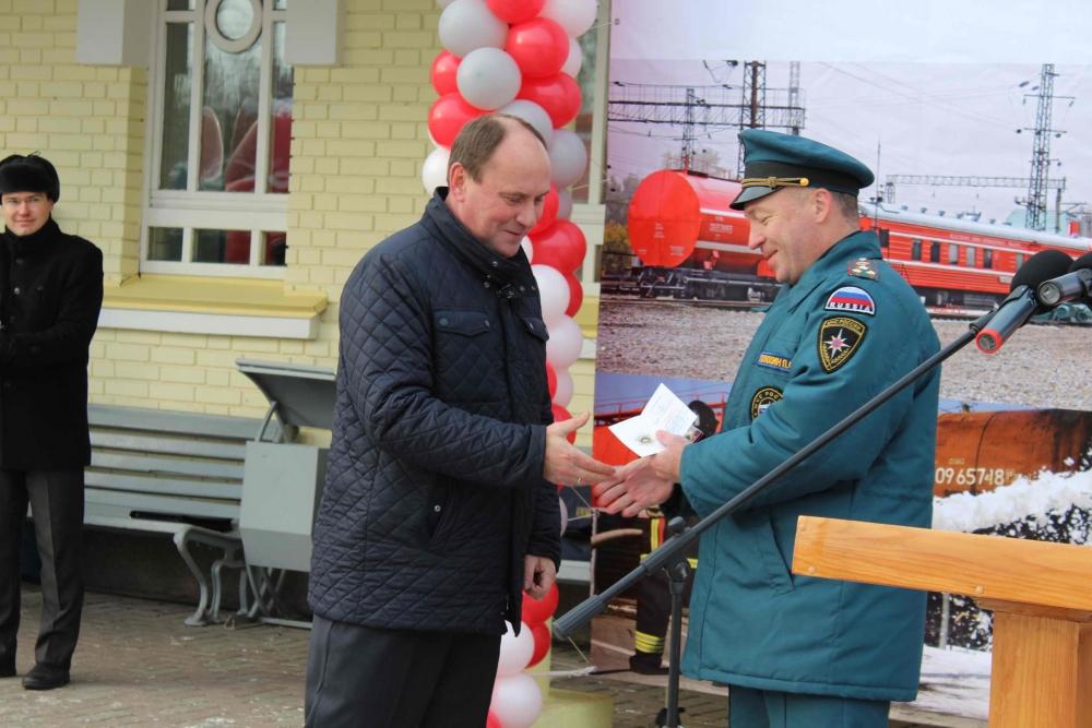 В Томске поставили в боевой расчет пожарный поезд нового поколения