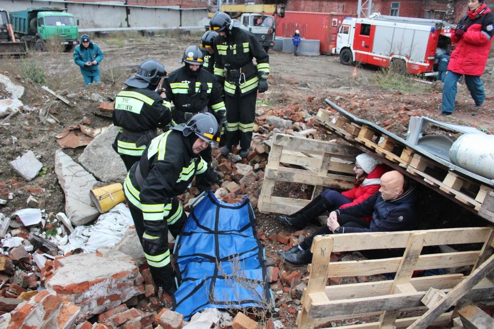 Учения по ликвидации последствий взрыва газа в котельной на кондитерской фабрике «Красная звезда»