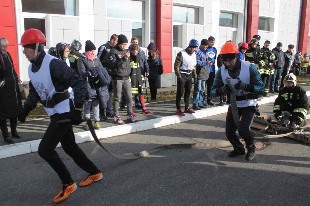 Соревнования среди студенческих добровольных пожарных дружин