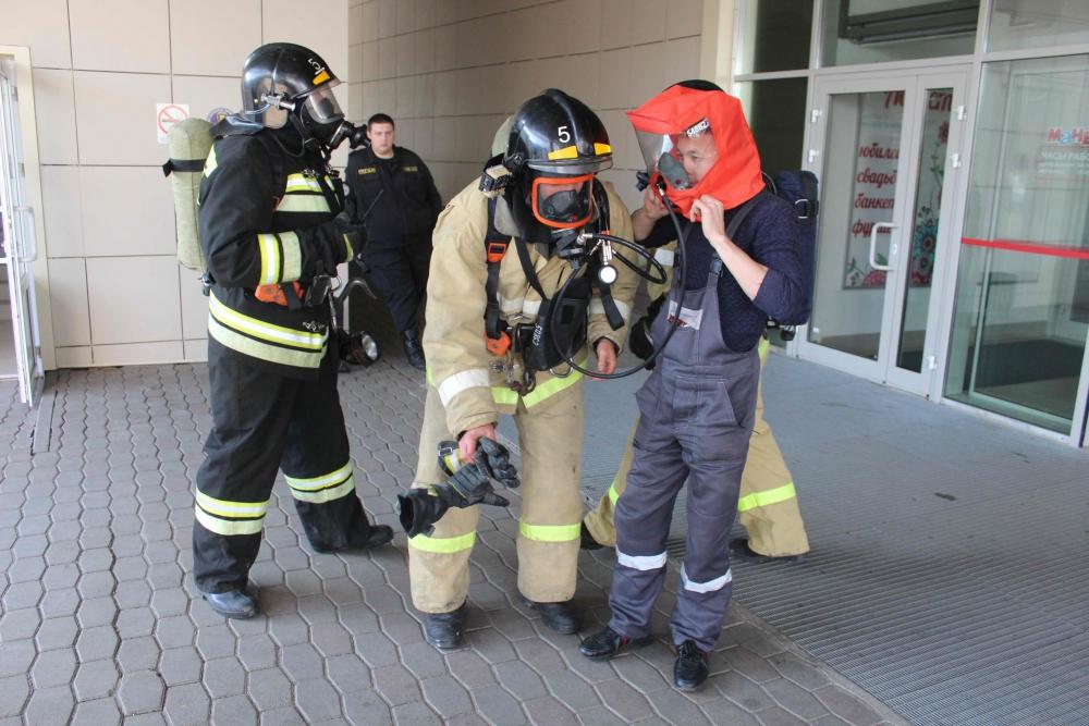 Пожарно-тактическое учение в торгово-развлекательном центре «Манеж» на ул. Беринга (17 сентября 2019 года)