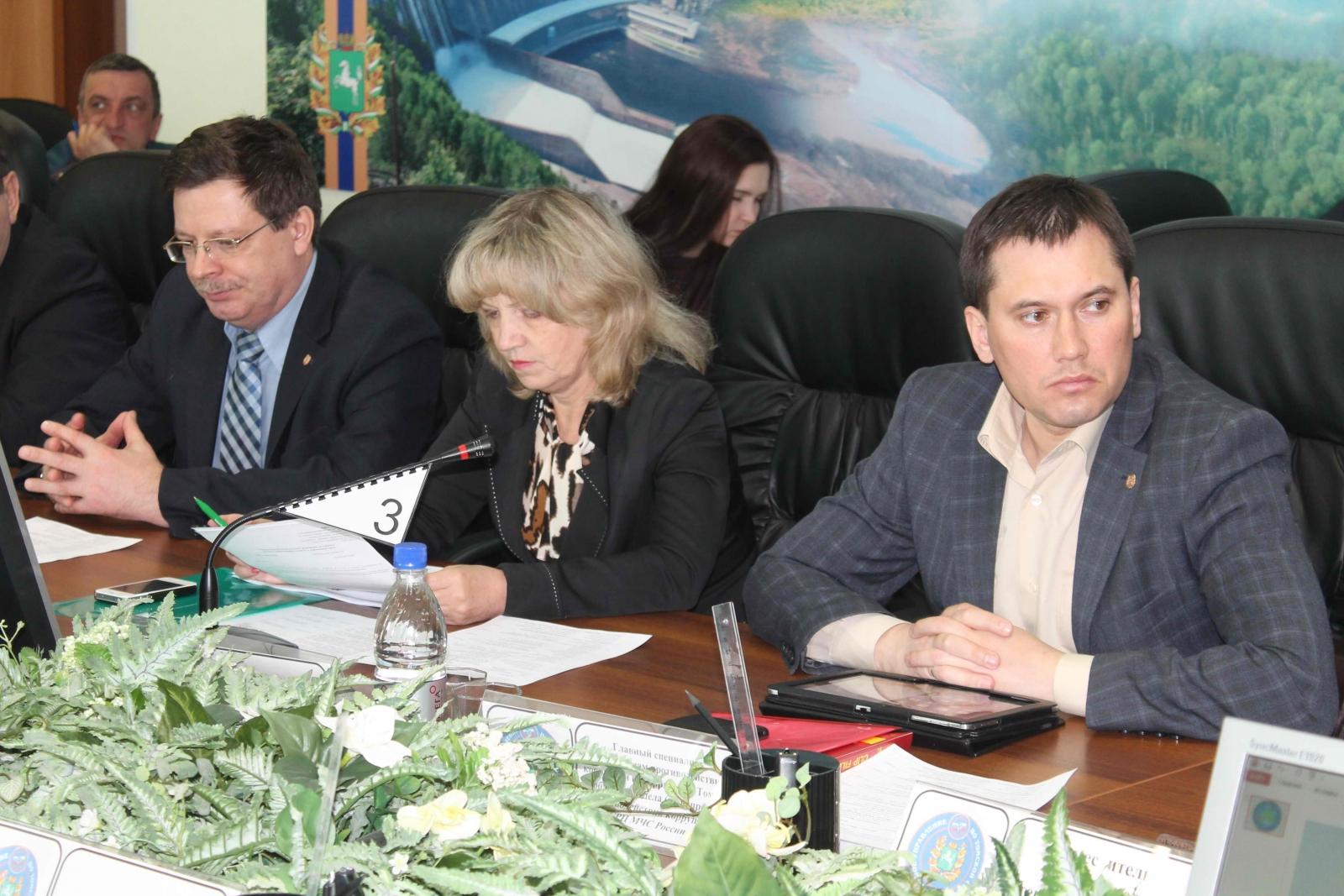 Заседание областной межведомственной комиссии по предупреждению и ликвидации ЧС и обеспечению пожарной безопасности по подготовке к пропуску паводковых вод, 9 апреля 2015 года