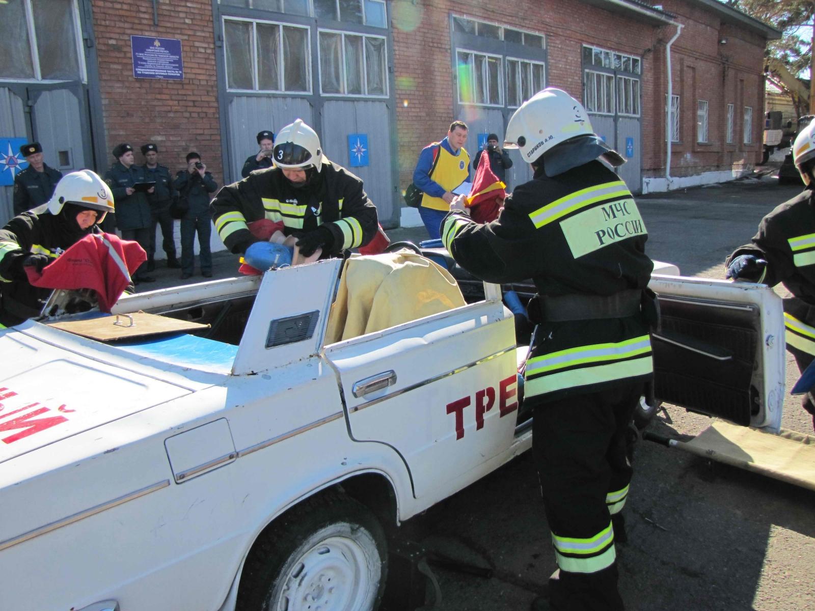 Соревнования по проведению аварийно-спасательных работ при ликвидации последствий чрезвычайных ситуаций на автомобильном транспорте среди подразделений федеральной противопожарной службы МЧС России по Томской области, 6 апреля 2015 года