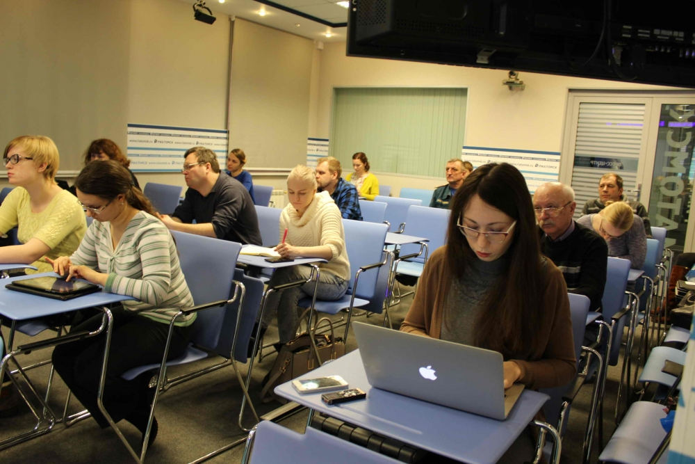 Пресс-конференция в медиацентре РИА Томск по пожару в бывшем училище связи на ул. Никитина, 15 февраля 2016 года