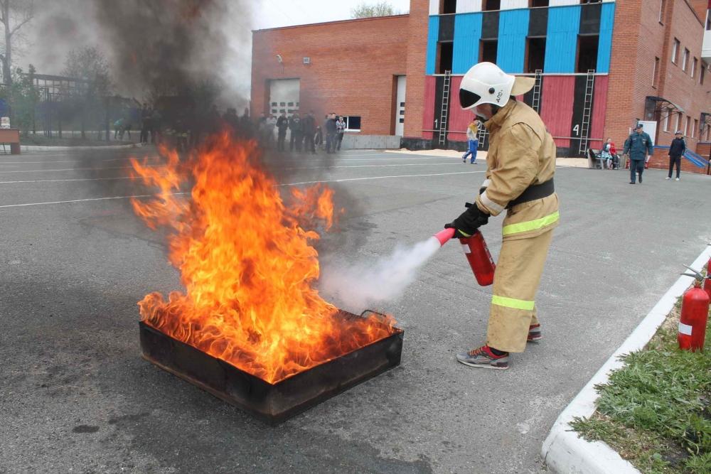 Соревнования по пожарно-прикладному спорту среди добровольных пожарных ТГУ, приуроченные к 71-ой годовщине Победы в Великой Отечественной войне, 8 мая 2016 года