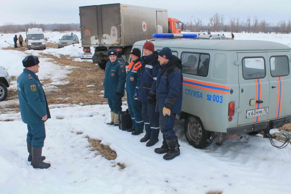 Ледовзрывные работы на Оби в Колпашевском районе, 28-29 марта 2017 года
