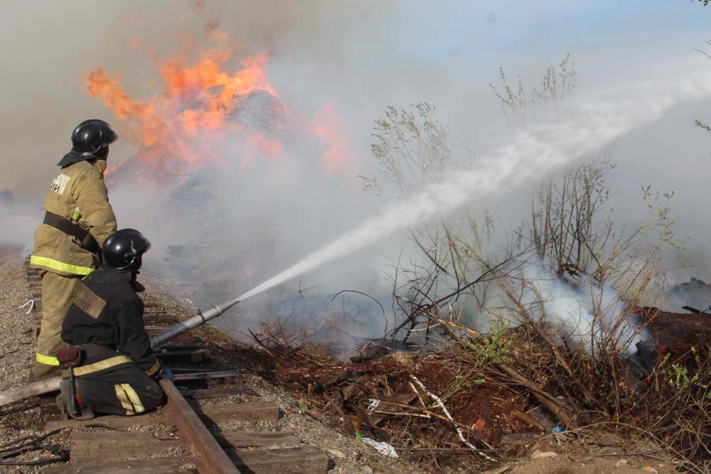 Пожар на территории деревообрабатывающего предприятия в пос. 2-м ЛПК (20 мая 2019 года)