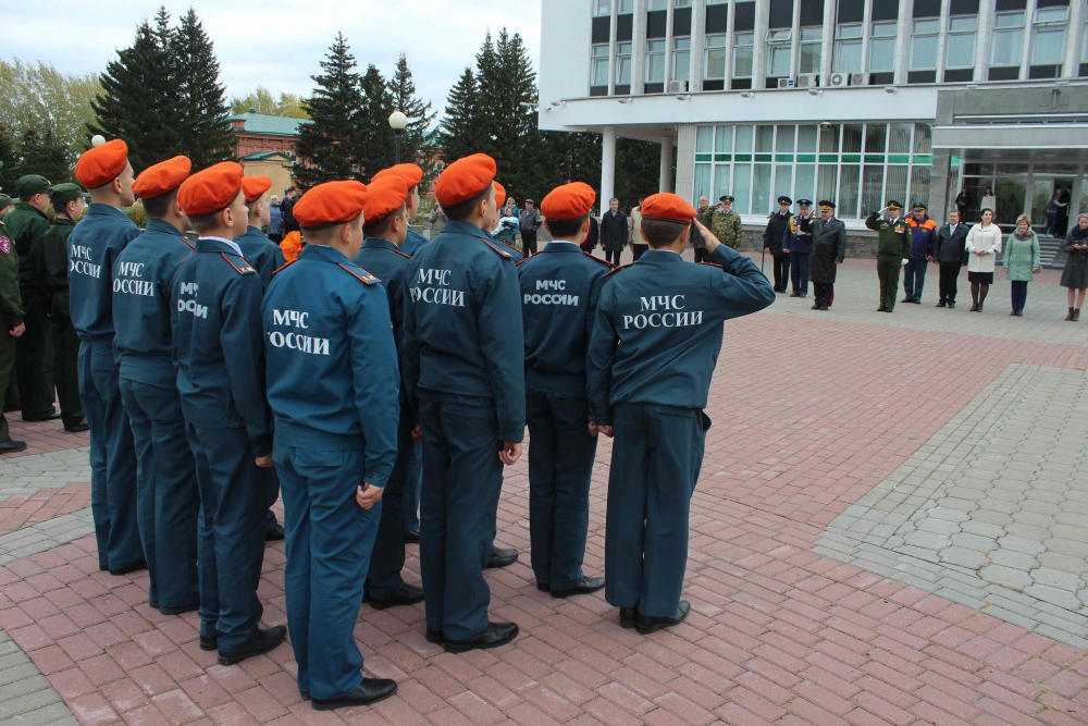 Воспитанники кадетских классов Мирненской средней общеобразовательной школы Томского района приняли клятву кадета (4 октября 2019 года)