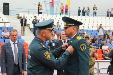 Северским пожарным вручили государственные награды
