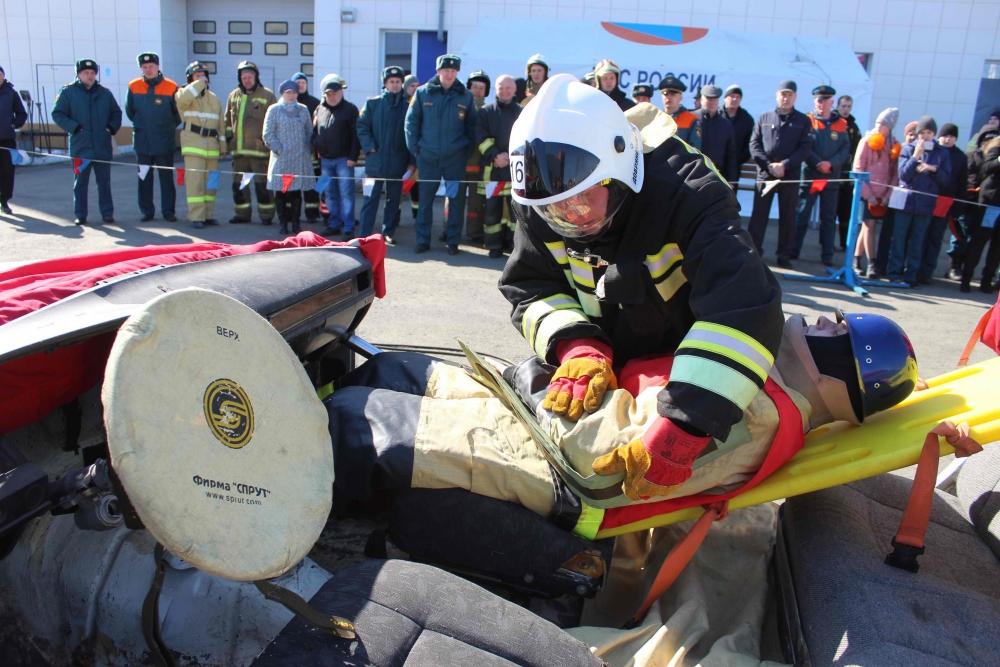 Межрегиональный этап соревнований на звание «Лучшая команда МЧС России по проведению аварийно-спасательных работ при ликвидации ЧС на автомобильном транспорте» (10 апреля 2019 года)