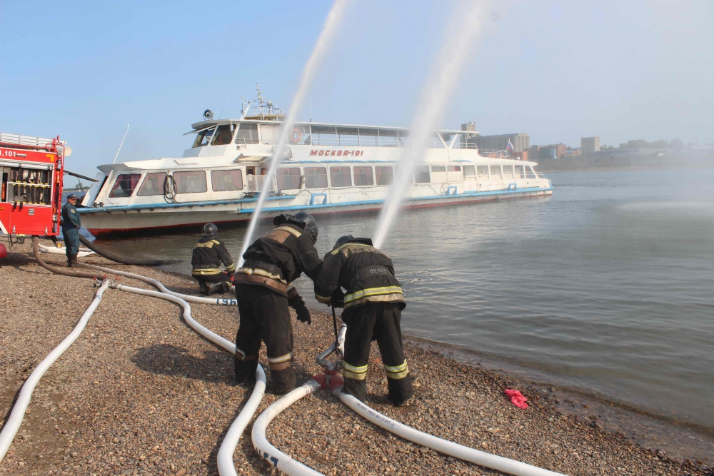 Тренировочное пожарно-тактическое учение по ликвидации условного пожара на пассажирском судне (13 августа 2019 года)