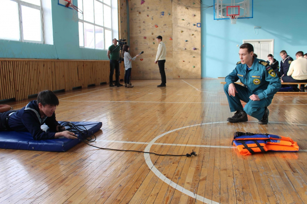 Сотрудники Государственной инспекции по маломерным судам провели обучающее занятие в Томском техникуме водного транспорта и судоходства