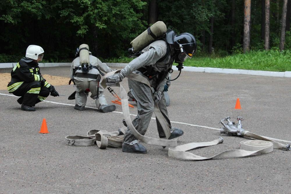 Соревнования на звание «Лучшее звено газодымозащитной службы» среди пожарно-спасательных частей г. Томска