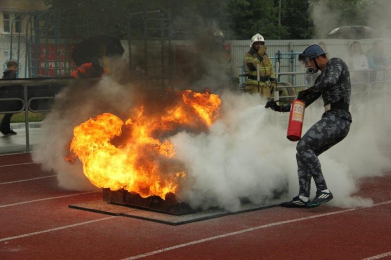 Соревнования по пожарно-спасательному спорту среди специальных подразделений федеральной противопожарной службы МЧС России в г. Северске (пожарная эстафета, 100-метровая полоса с препятствиями), 17 июля 2019 года