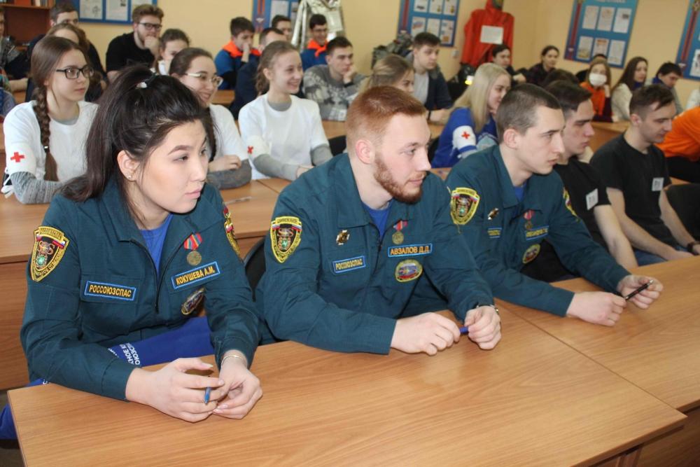 В Томской области прошел первый этап Всероссийских соревнований «Человеческий фактор», направленных на обучение молодежи мерам оказания психологической поддержки и первой помощи гражданам
