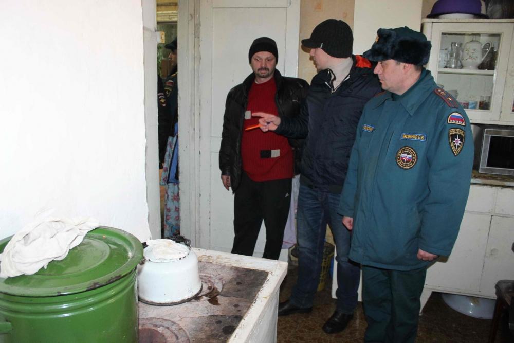 В Томске проходят противопожарные рейды по домам с печным отоплением