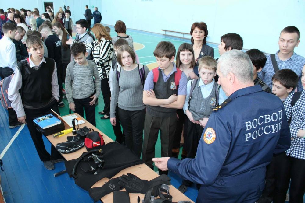V городской спортивный праздник по водно-спасательному многоборью «Спасатель-2016» в ЗАТО Северск, 10 марта 2016 года