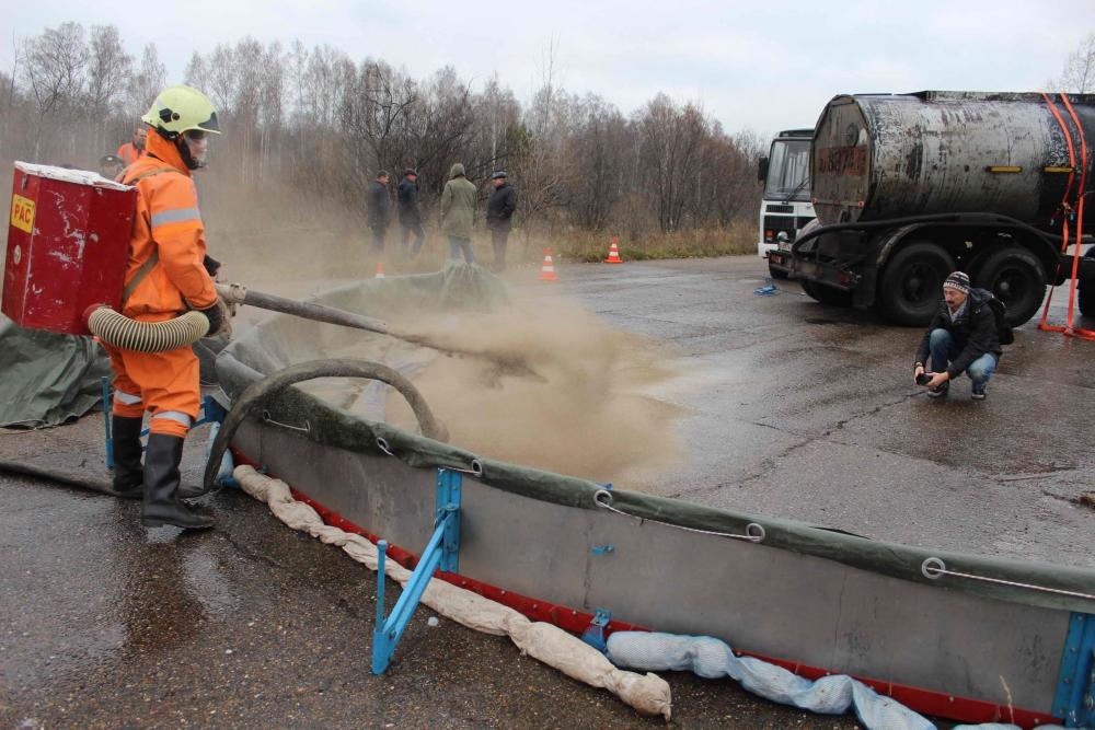 Учения по ликвидации последствий дорожно-транспортного происшествия на федеральной трассе