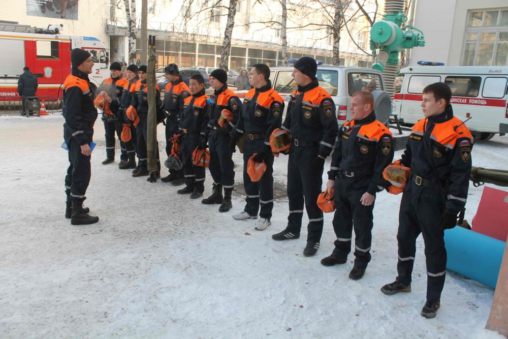 Пожарно-тактические учения в 8 учебном корпусе Томского политехнического университета, 12 ноября 2015 года