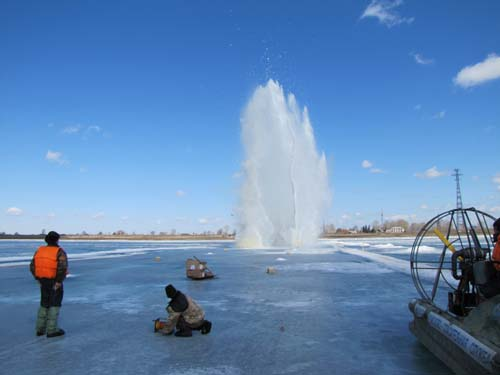 Ледовзрывные работы у н.п. Могочино Молчановского района