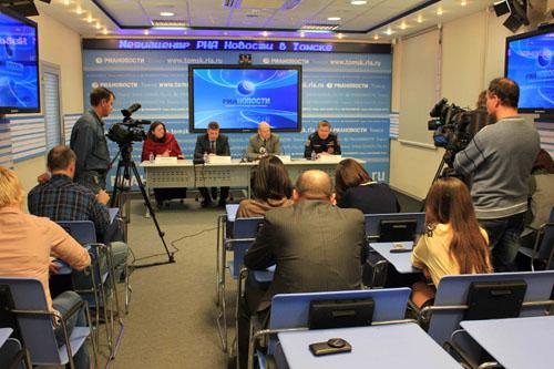 Пресс-конференция в медиацентре РИА Новости по паводку