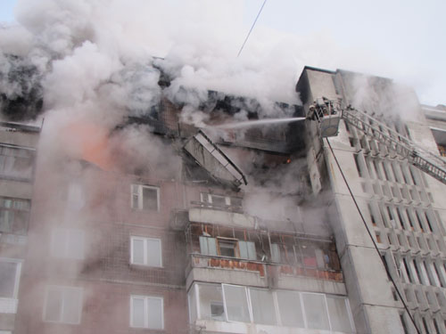 Взрыв газового баллона в жилом доме на ул. Сибирской, 33