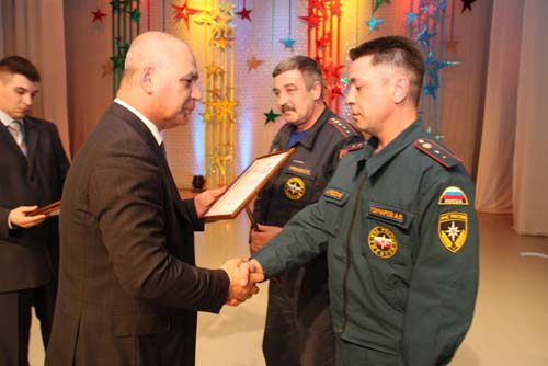 Торжественное собрание, посвященное Дню пожарной охраны, во Дворце творчества детей и молодежи