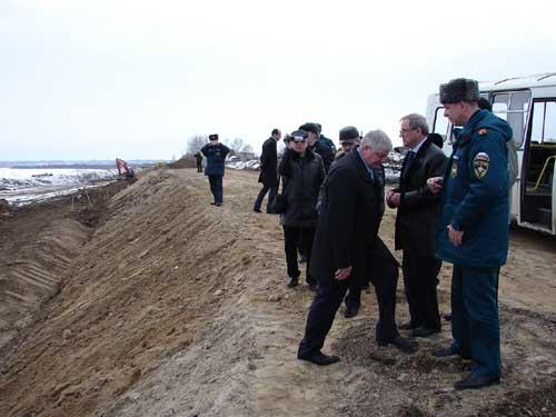 Строительство Эуштинской дамбы.