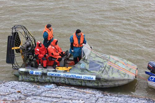 Тренировка ГИМС и ПСС по спасению людей на воде