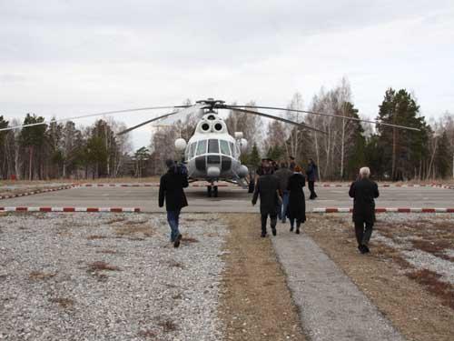 Ледовая разведка на вертолете.