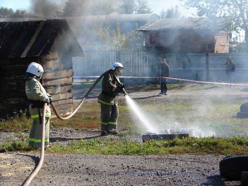 Опытные пожарно-тактические учения по испытанию огнетушащего средства на основе жидкого стекла