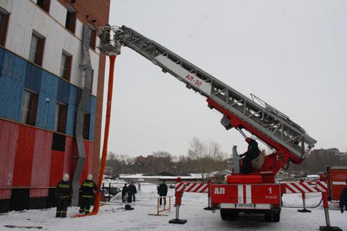 Соревнования по эвакуации пострадавших с высотных зданий