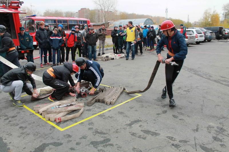 Соревнования по пожарно-прикладному спорту среди дружин юных пожарных общеобразовательных учреждений г. Томска (первый день)