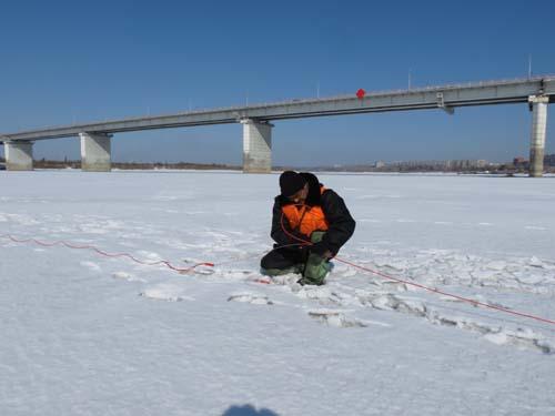 Ледовзрывные работы у нового коммунального моста