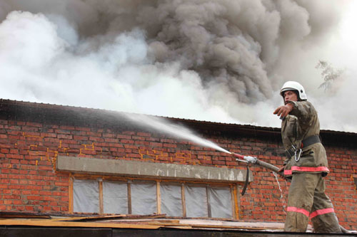 Пожар в с. Мельниково Шегарского района по адресу: ул. Чапаева, 50 в