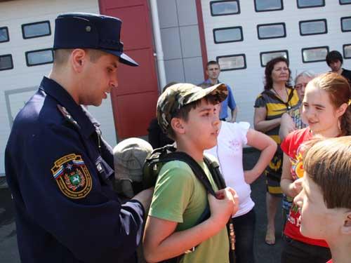 Экскурсия кружковцев Дворца творчества детей и молодежи в пожарную часть № 2.