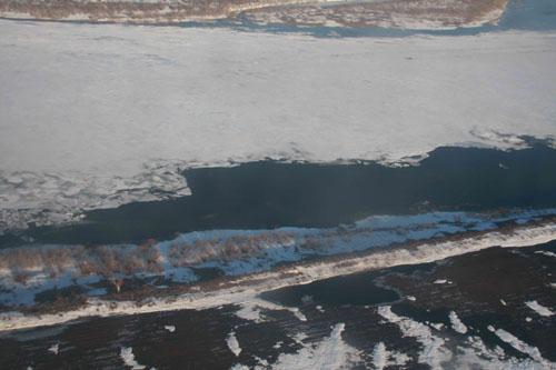 Разведка ледовой обстановки на вертолете Сибирского регионального центра МЧС России