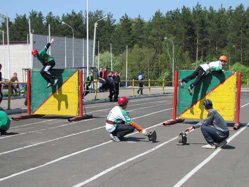 Соревнования по пожарно-прикладному спорту среди детей.