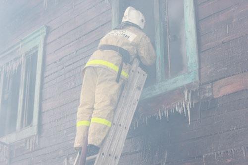 Пожар в г. Томске по адресу: ул. Кедровая, 36 а