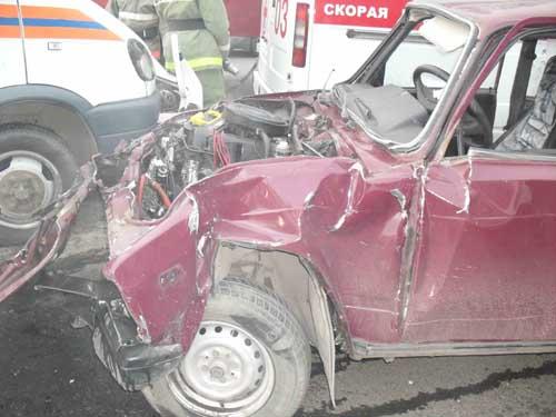 Дорожно-транспортное происшествие на ул. Осенней и ул. Елизаровых