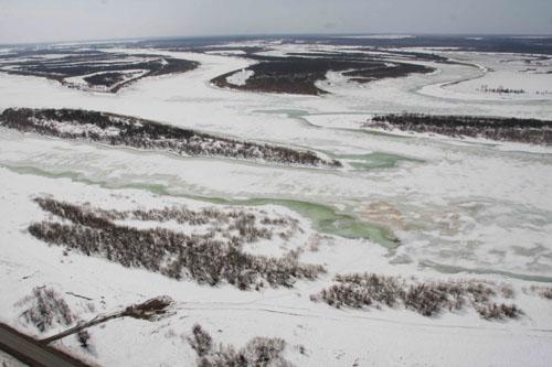 Ледовая разведка на вертолете Ми-8 Сибирского регионального центра МЧС России