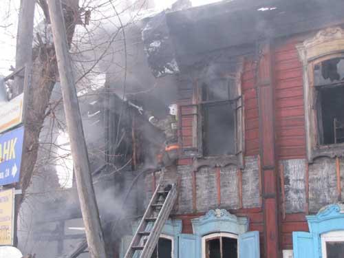 Пожар в жилом доме на ул. Войкова, 11.