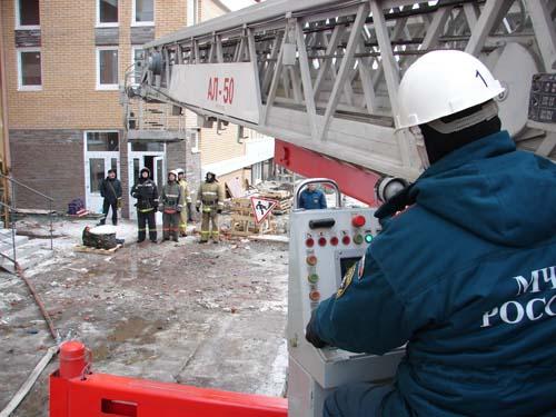 Соревнования по тушению пожаров в высотных зданиях