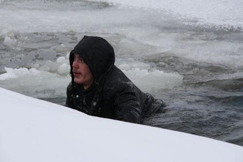 """Съемка учебного видеоролика о том, что делать, если провалился под лед, совместно с  Томским региональным отделением """"Россоюзспас"""""""
