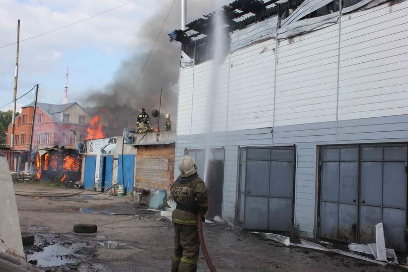 Пожар в г. Томске на ул. Шишкова, 20