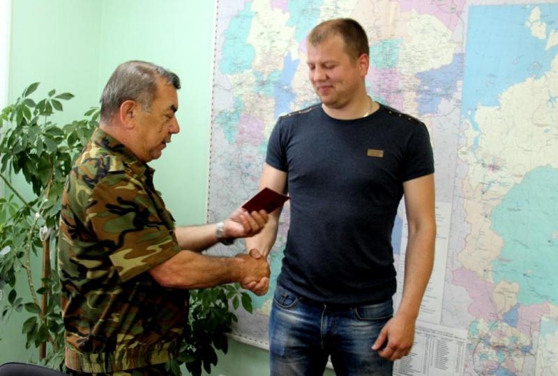 Начальник пожарной части награжден нагрудным знаком «За отличие» за спасение двух человек