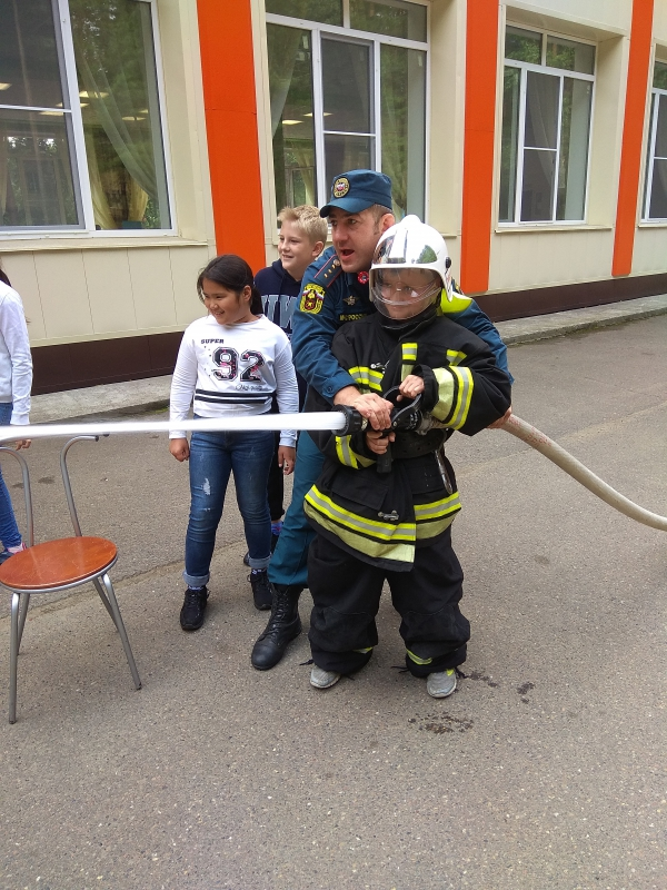 День пожарной безопасности для отдыхающих детей на спортивно-оздоровительной базе «Факел»
